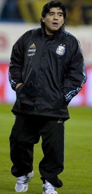 ¿Cuánto mide y cuánto pesa Diego Armando Maradona?