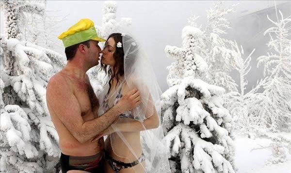 coppia russa si sposa a meno 30 gradi -