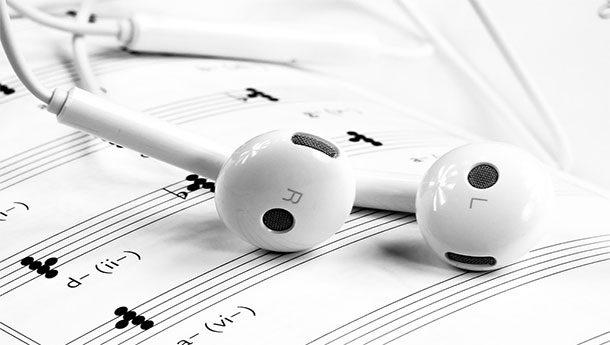 Vietato ascoltare musica che non sia quella del regime