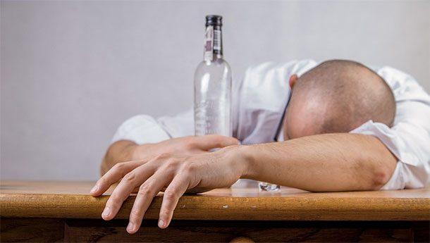 Vietato bere alcoolici se non nei giorni stabiliti