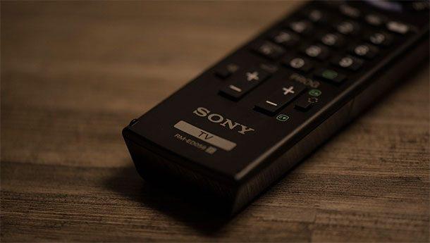 Vietato guardare la tv se non i canali di Stato