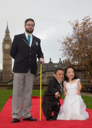 Guinness World Record per la coppia di sposi piu' piccola del mondo