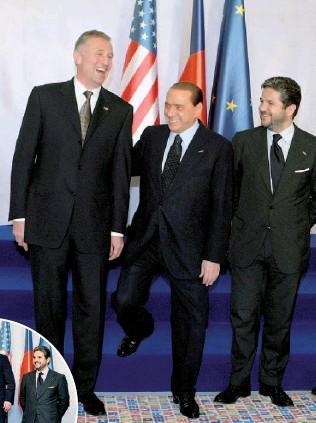 Quanto è alto e quanto pesa Berlusconi: misure, fisico, dieta, salute, informazioni
